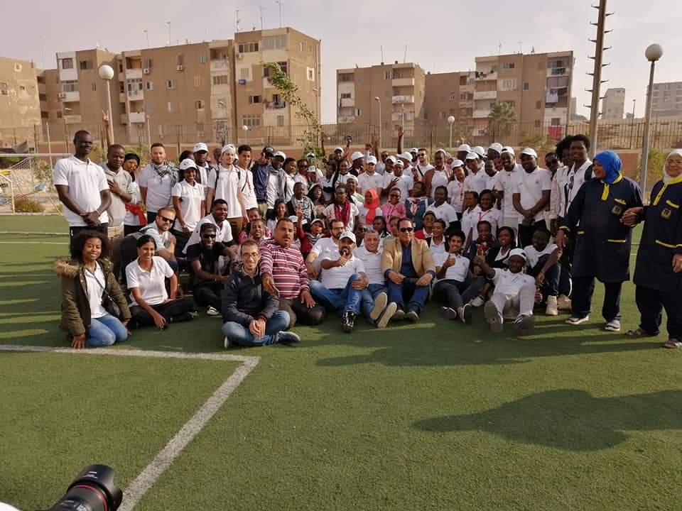 متطوعو الاتحاد الافريقى يزرعون 100 شجرة بمنتدى 15 مايو (28)
