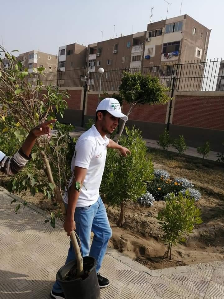 متطوعو الاتحاد الافريقى يزرعون 100 شجرة بمنتدى 15 مايو (4)