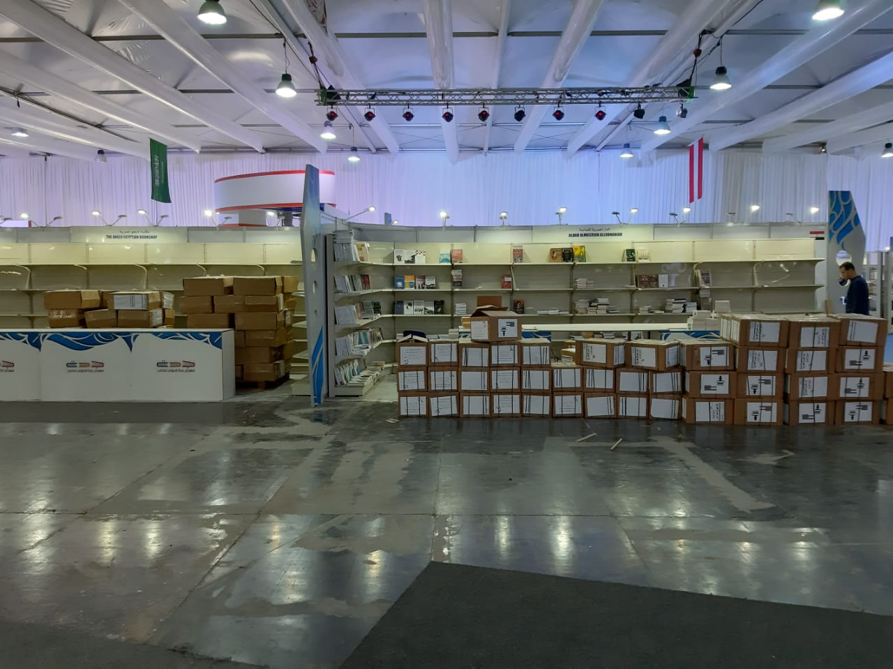 استعدادات معرض جدة الدولى للكتاب  (1)