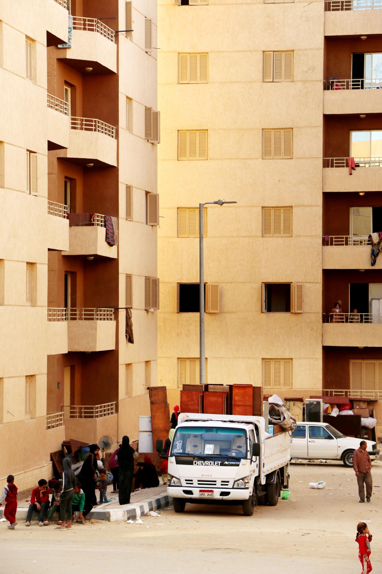 تسكين4113 أسرة من سكان المناطق الخطرة بمساكن حضارية  (1)
