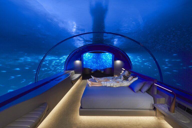 النوم تحت الماء في جزر المالديف