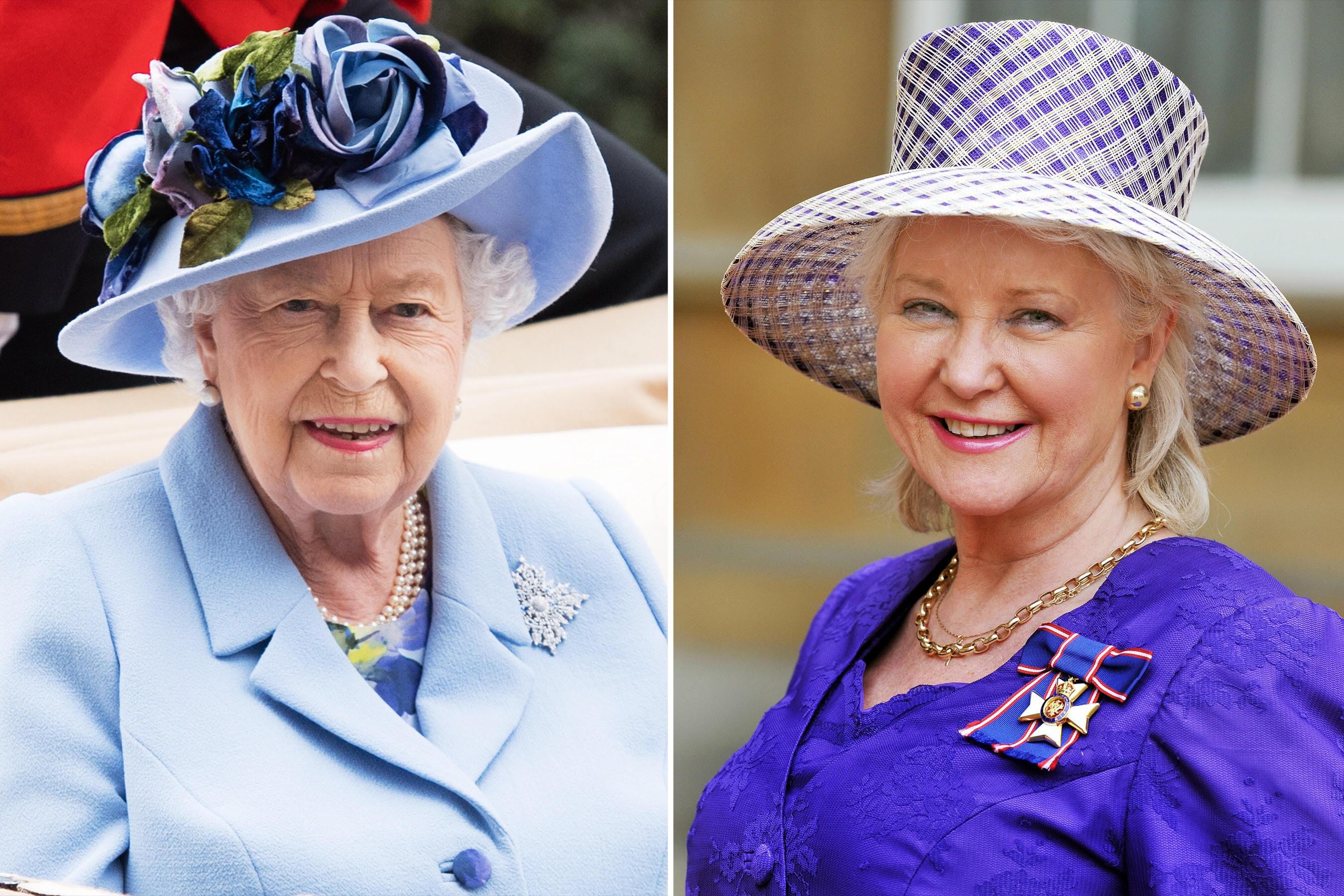 الملكة ومصممة أزياءها