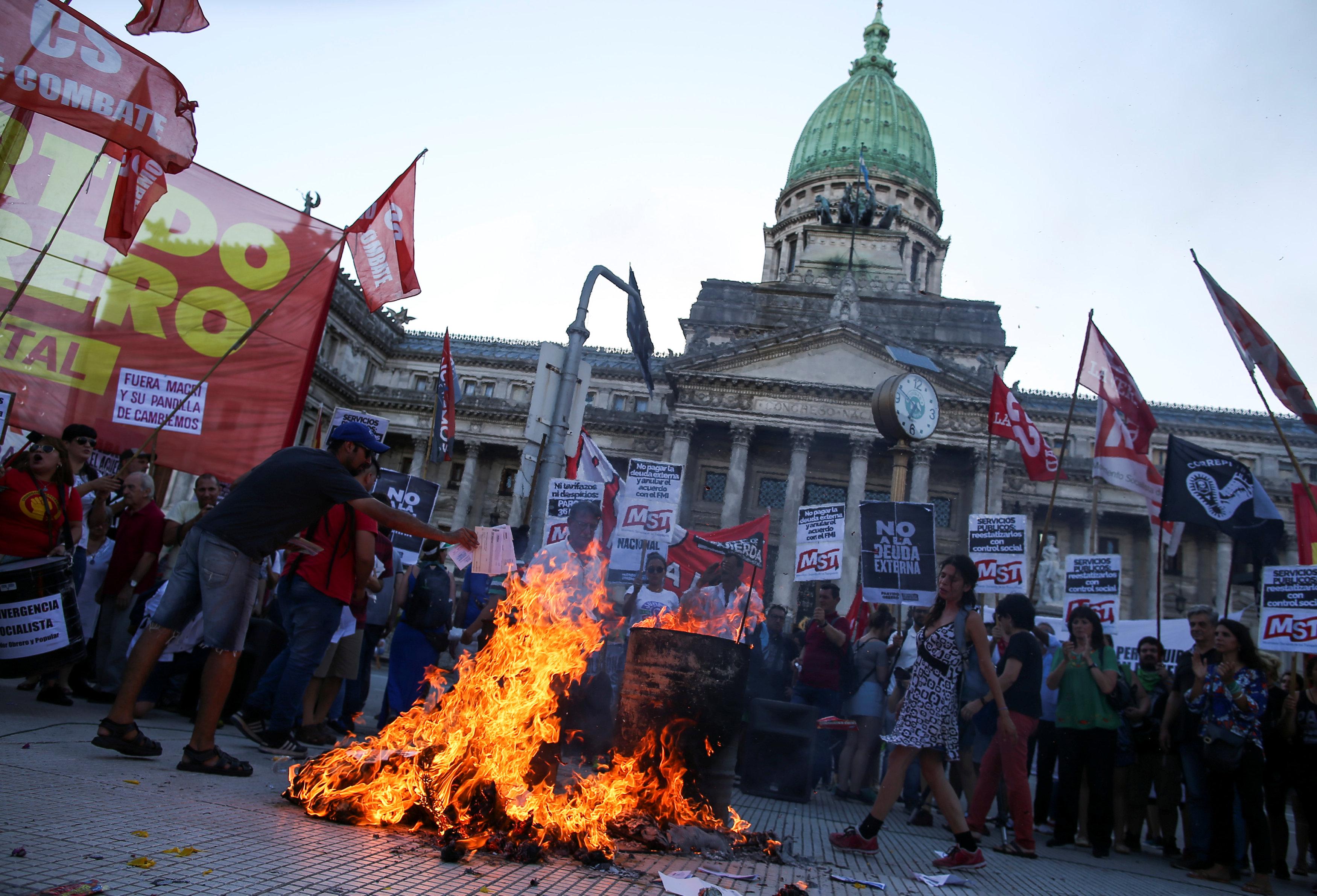 الاقتصاد الأرجنتينى يعانى من التدهور منذ سنوات