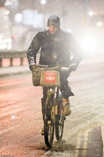 الثلوج كست بريطانيا فو اسوأ موجة طقس منذ 7 سنوات  (11)