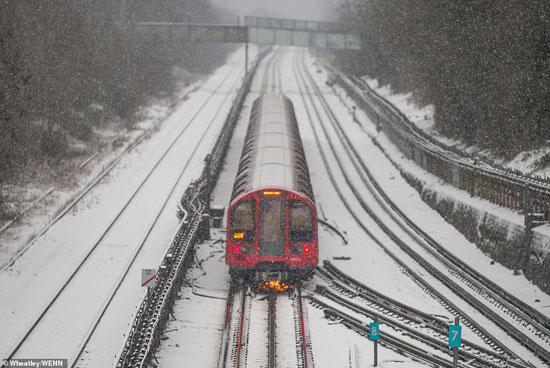 الثلوج كست بريطانيا فو اسوأ موجة طقس منذ 7 سنوات  (22)