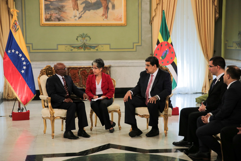 مادورو فى حديث مع سفير الدومنيكان الجديد لدى بلاده