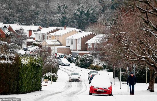 الثلوج كست بريطانيا فو اسوأ موجة طقس منذ 7 سنوات  (24)