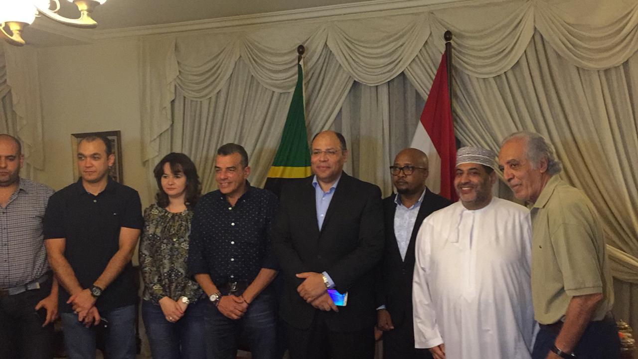خالد مرتجى مع سفير مصر بتنزانيا (11)
