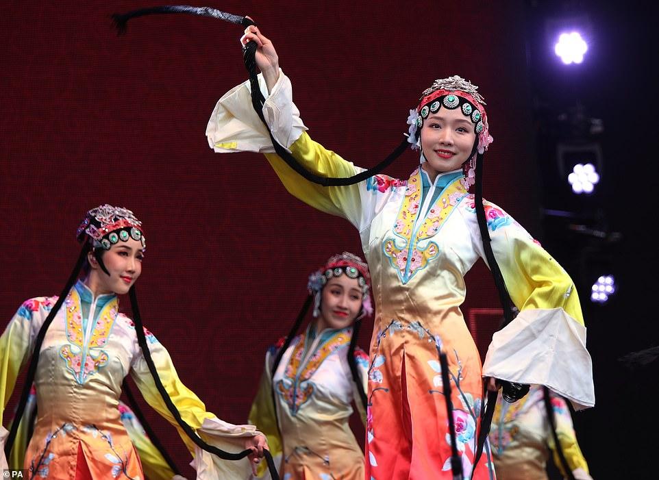 احتفال السنة الصينية الجديدة (3)