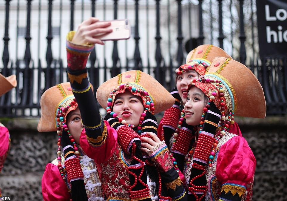احتفال السنة الصينية الجديدة (10)