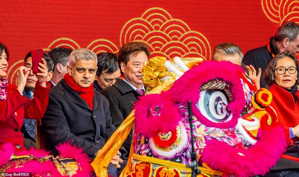 احتفال السنة الصينية الجديدة (2)