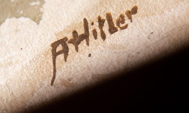 توقيع هتلر على لوحة فنية
