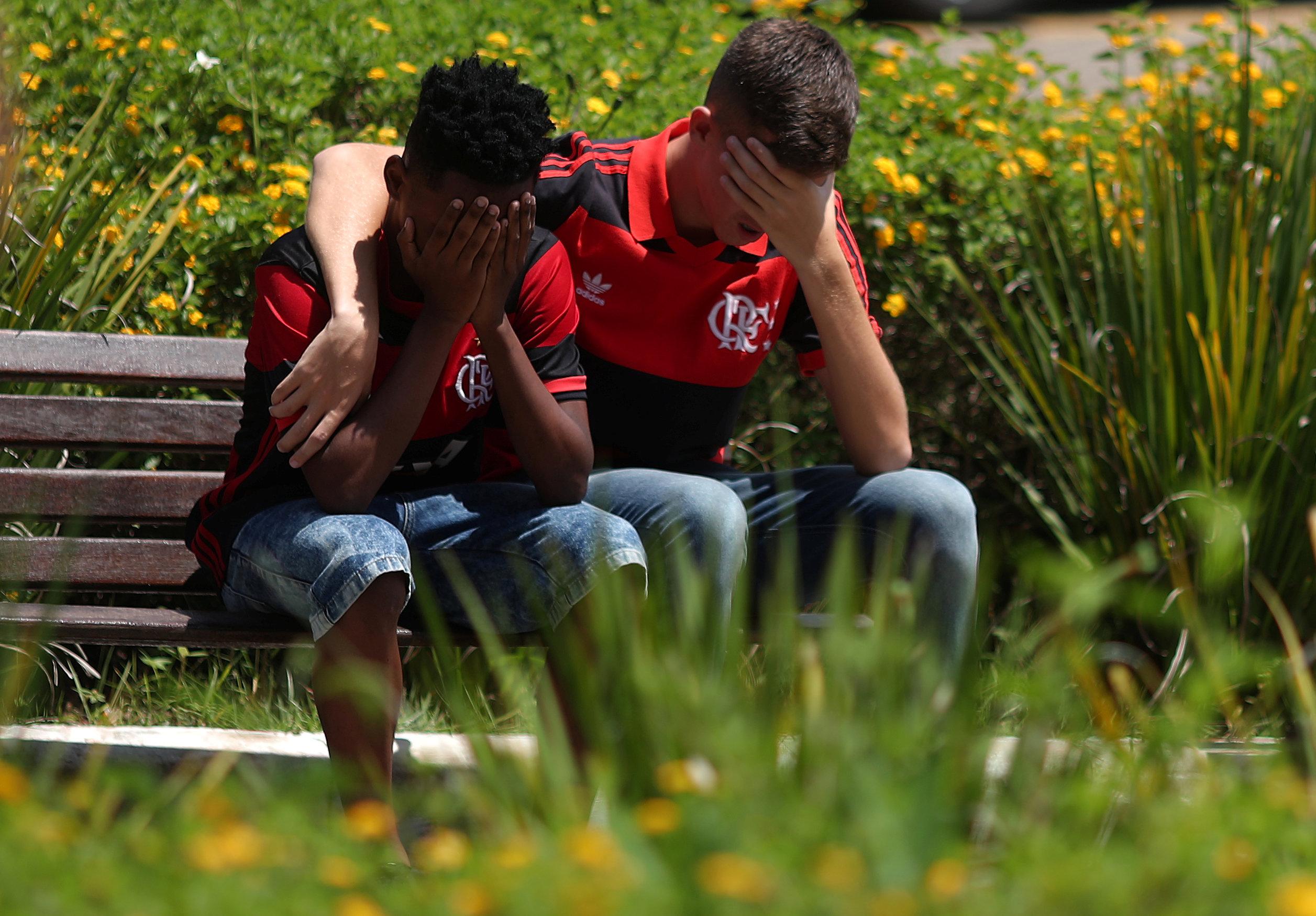 تشييع جثامين قتلى حريق مركز تدريب نادى فلامنجو البرازيلى (11)