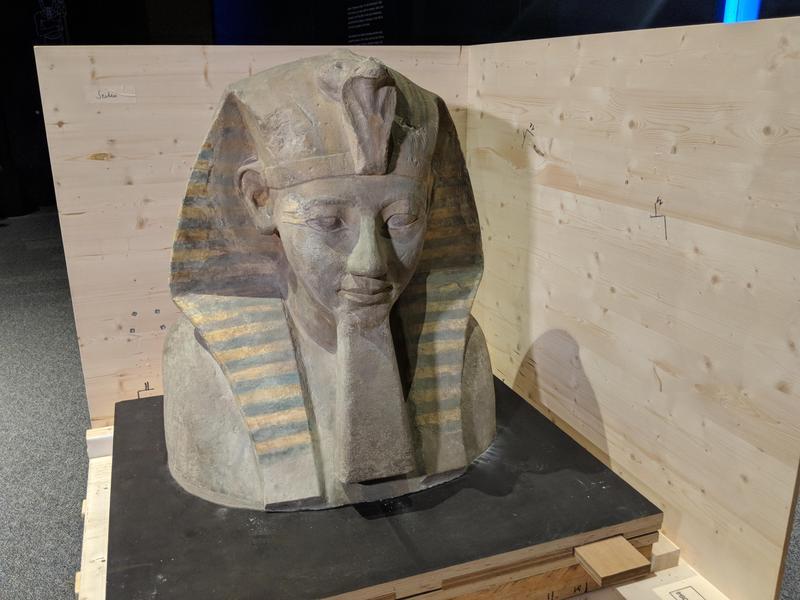 التحف الاثرية  (1)