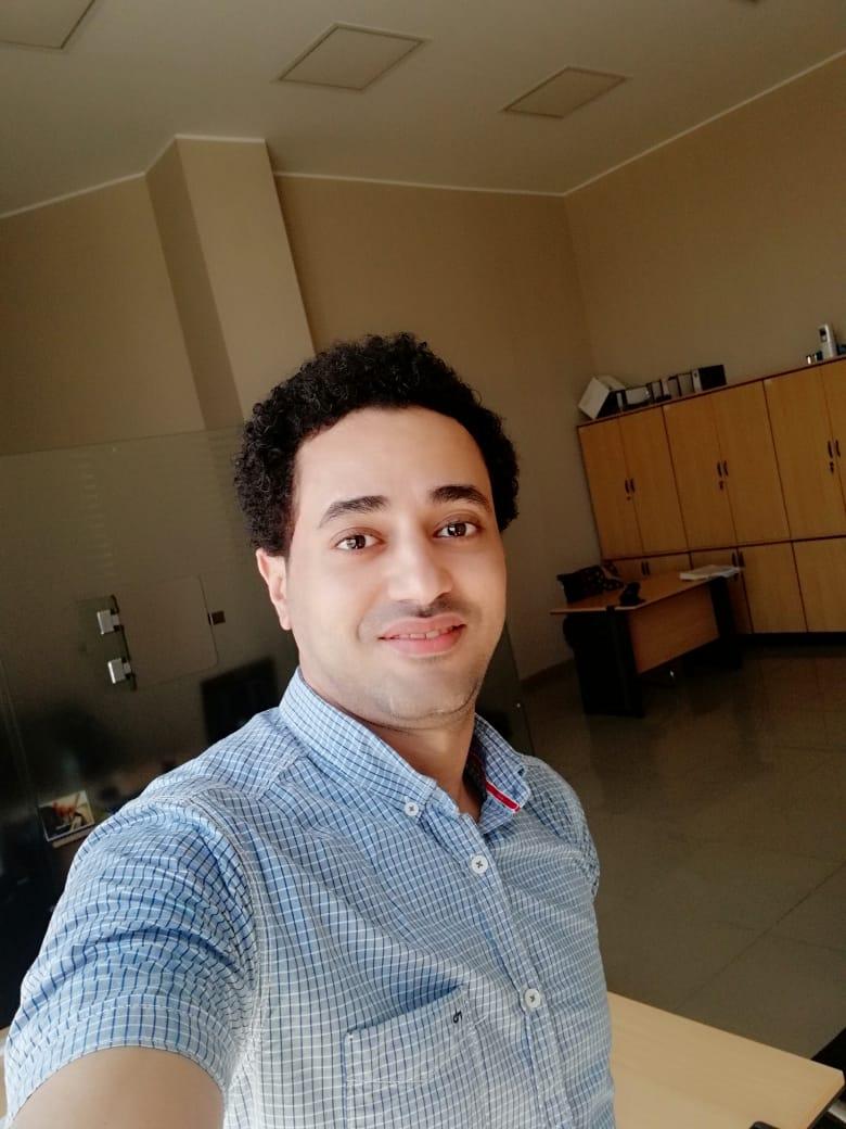 محمد الشناوي.