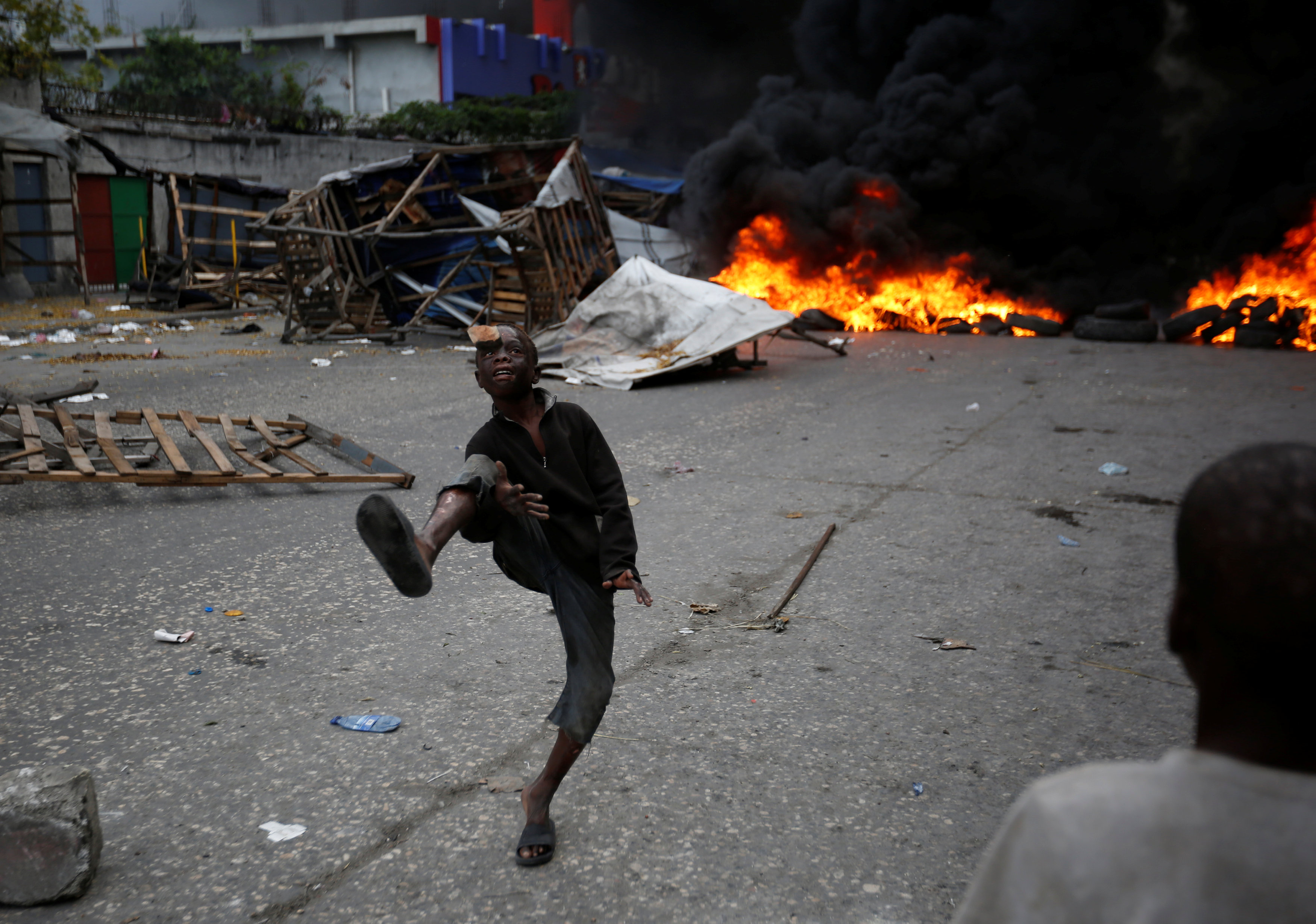 الاحتجاجات العنيفة ضد السلطة فى هايتى  (4)