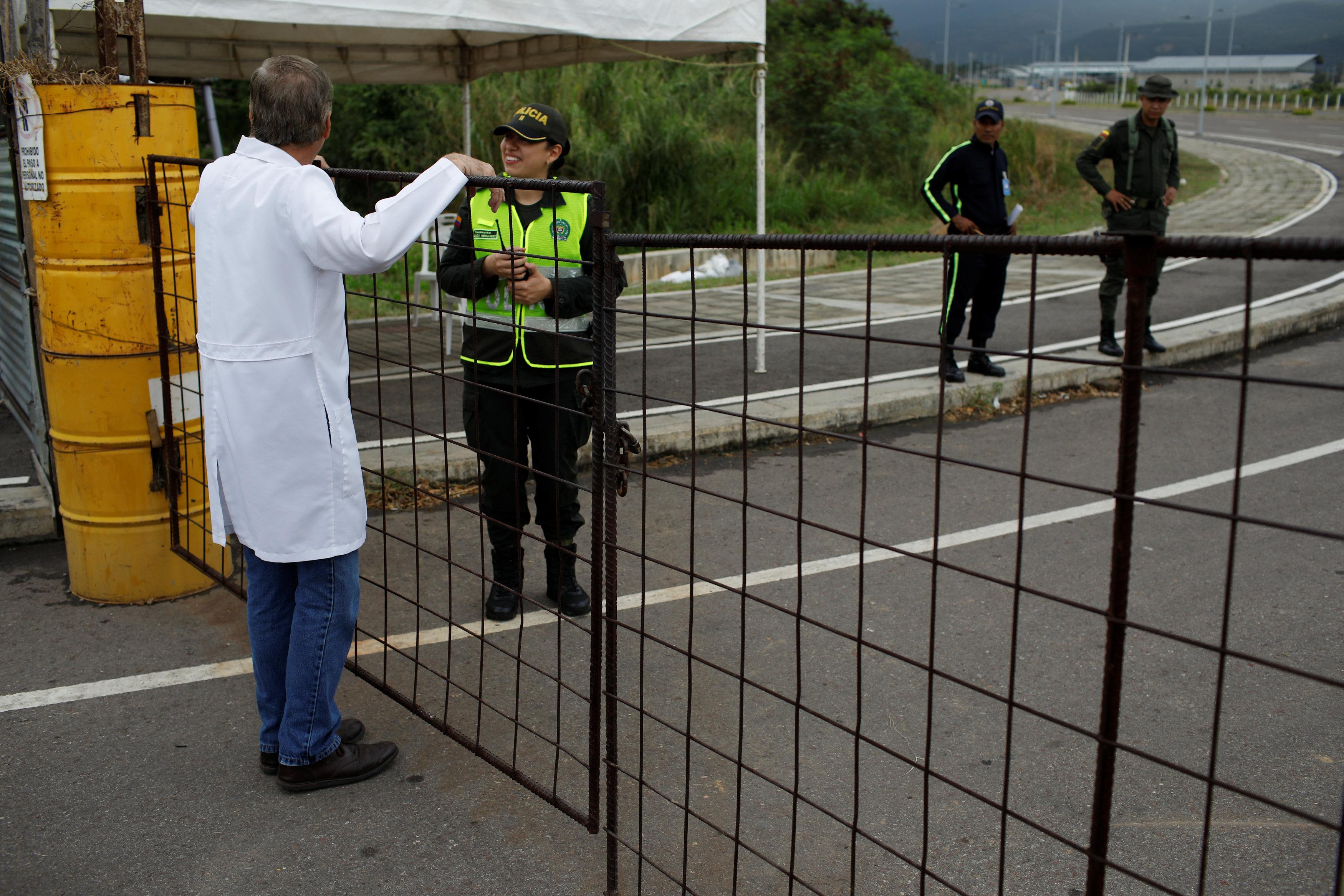 أطباء فنزويلا يحتجون بسبب الأوضاع المأساوية (5)