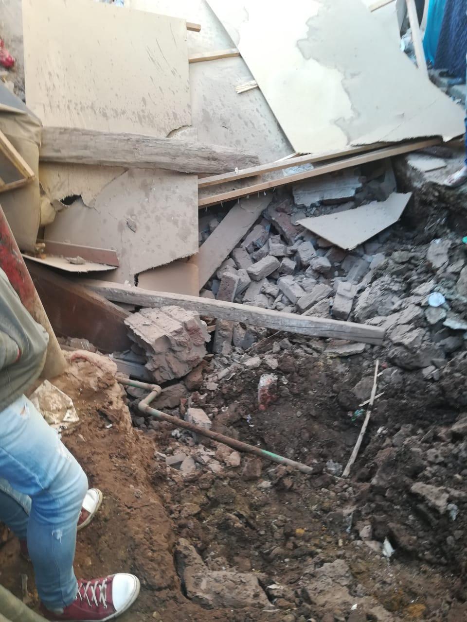 انهيار منزلين (4)