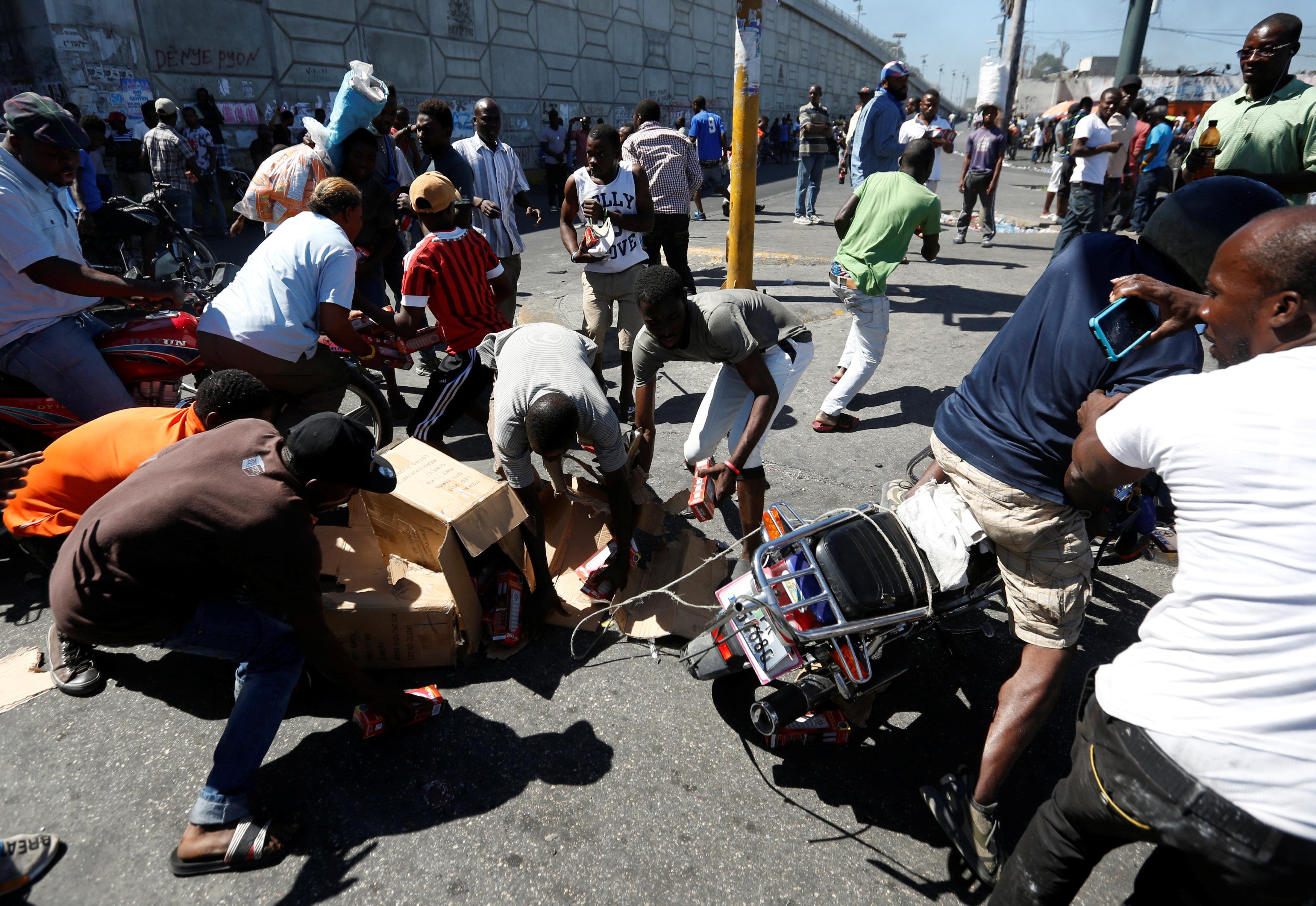 الاحتجاجات العنيفة ضد السلطة فى هايتى  (10)