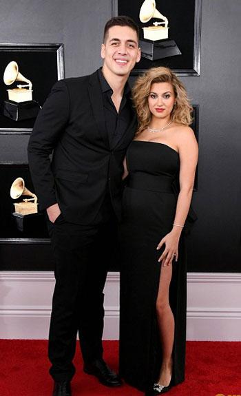 حفل توزيع جوائز Grammy  (1)