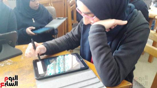 توزيع-التابلت-بمدارس-الإسكندرية-(6)