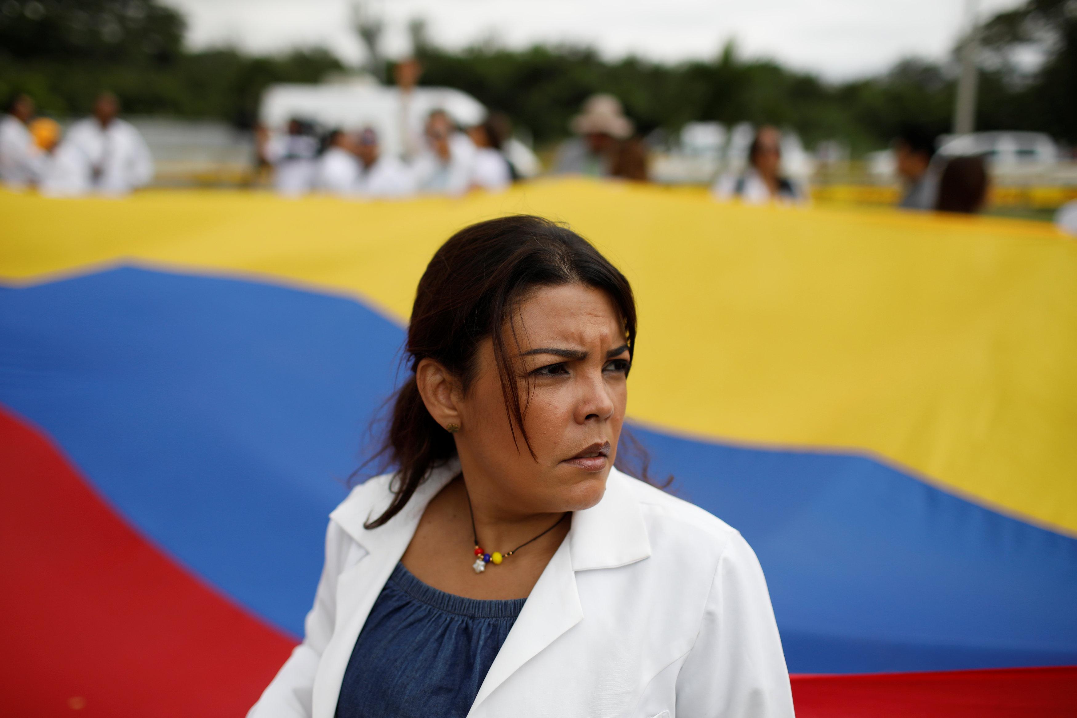 أطباء فنزويلا يحتجون بسبب الأوضاع المأساوية (4)