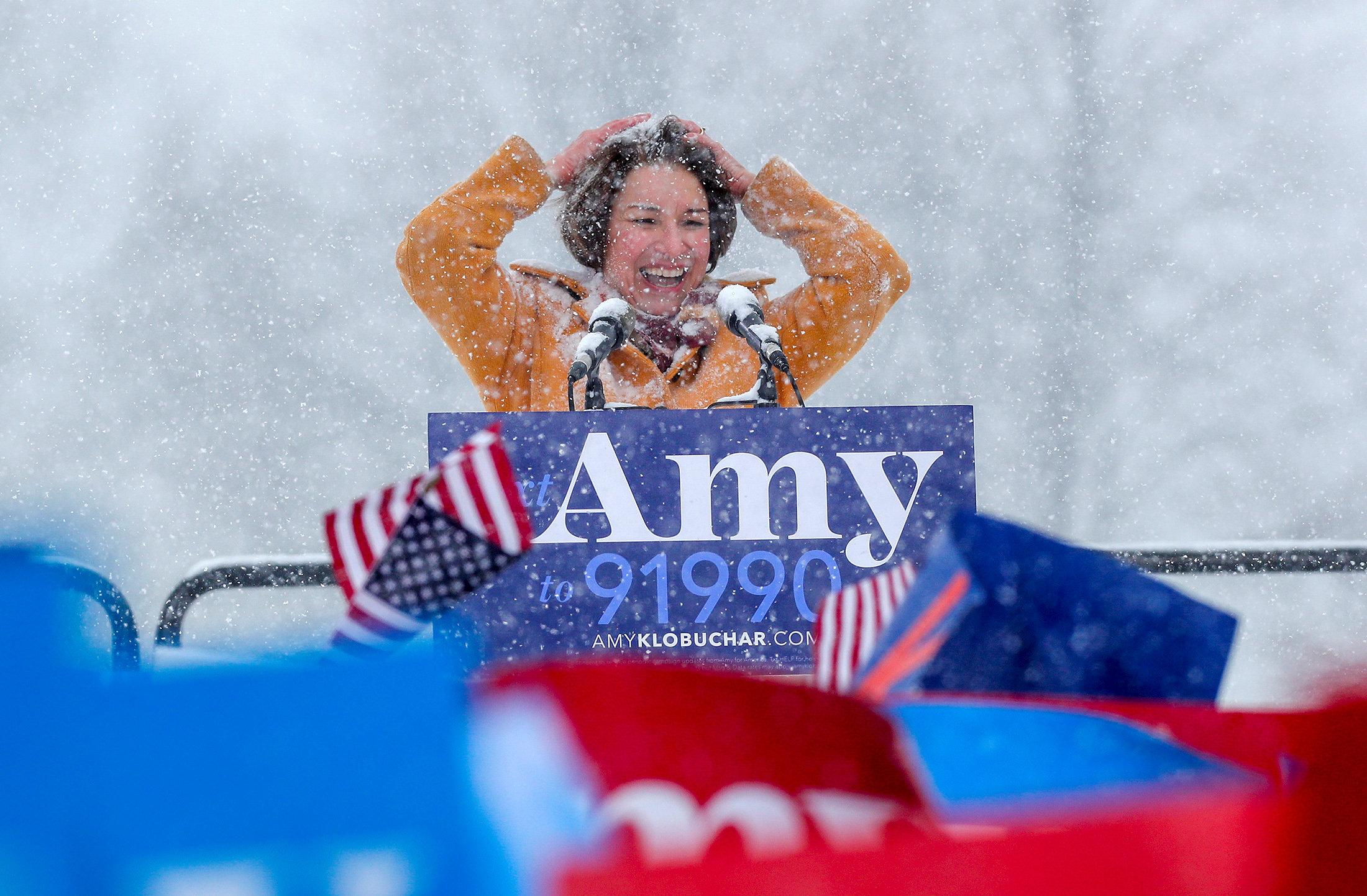 السيناتور إيمى تعلن منافسة ترامب (1)
