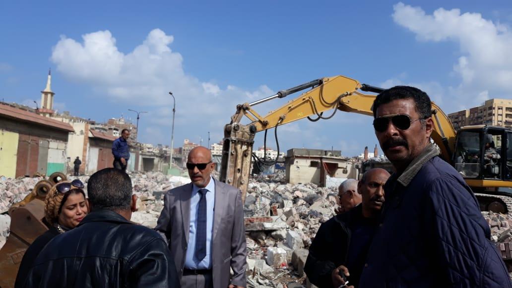 الانتهاء من إزالة المنطقة العشوائية المحيطة بسوق السمك الجديد وسجن بورسعيد (4)