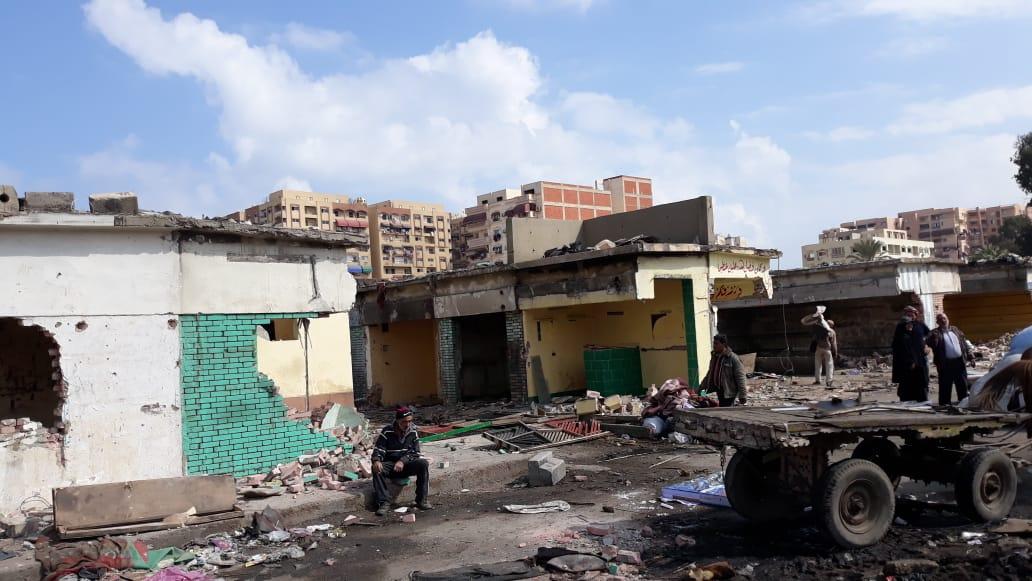 الانتهاء من إزالة المنطقة العشوائية المحيطة بسوق السمك الجديد وسجن بورسعيد (2)