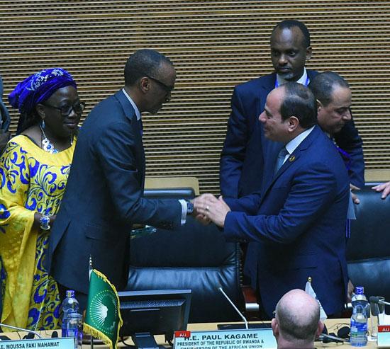 تسليم رئاسة  الاتحاد الأفريقى إلى الرئيس عبد الفتاح السيسى