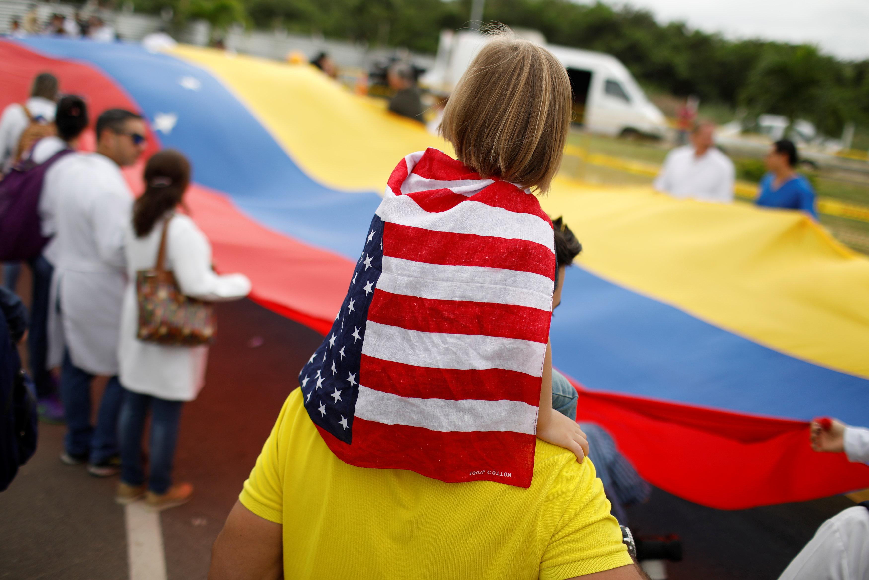 أطباء فنزويلا يحتجون بسبب الأوضاع المأساوية (7)