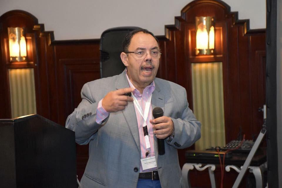 الدكتور مجدى القاضى استاذ الامراض الوبائية  (1)