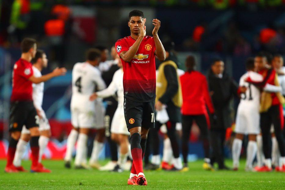 راشفورد يحي جماهير مانشستر يونايتد بعد الخسارة أمام باريس سان جيرمان