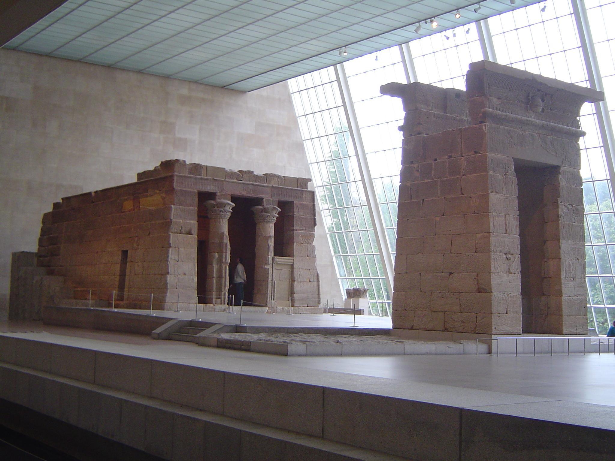 معبد دندور