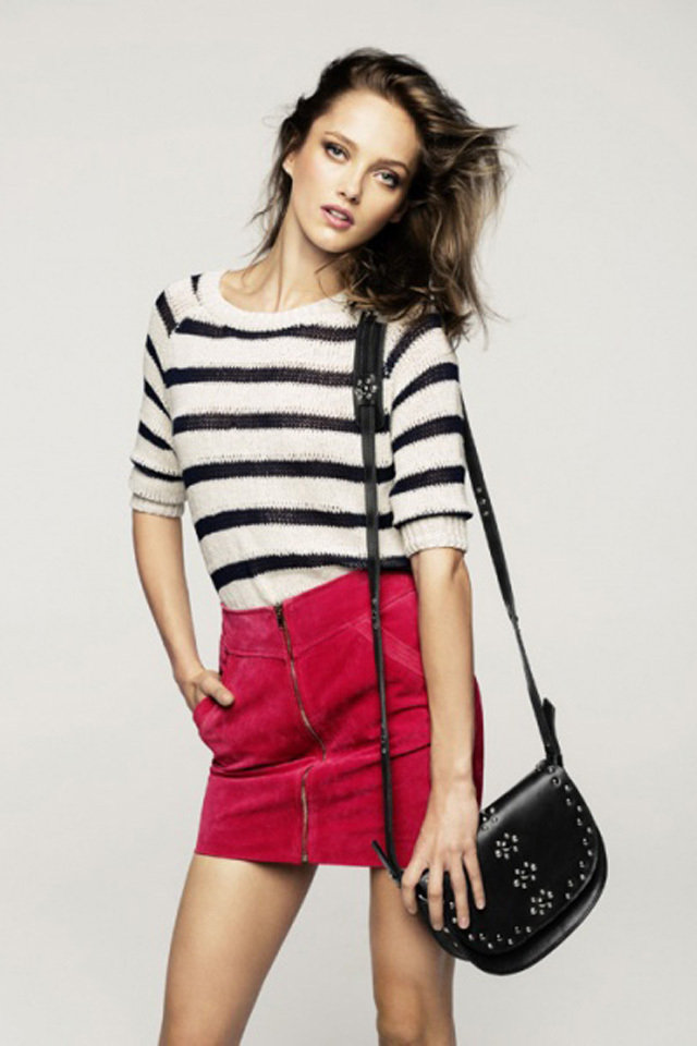 large_striped_blouse_cardinal_pin