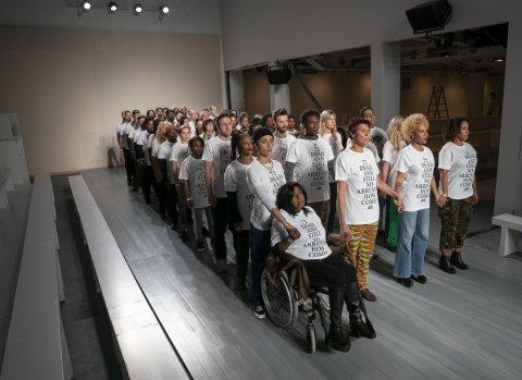أحتجاجات justice4grentel  على منصة عروض الأزياء
