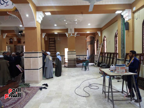 أهالى قنا يطالبون المحافظ وفد البرلمان بفرش وتجديد عدد من المساجد (14)