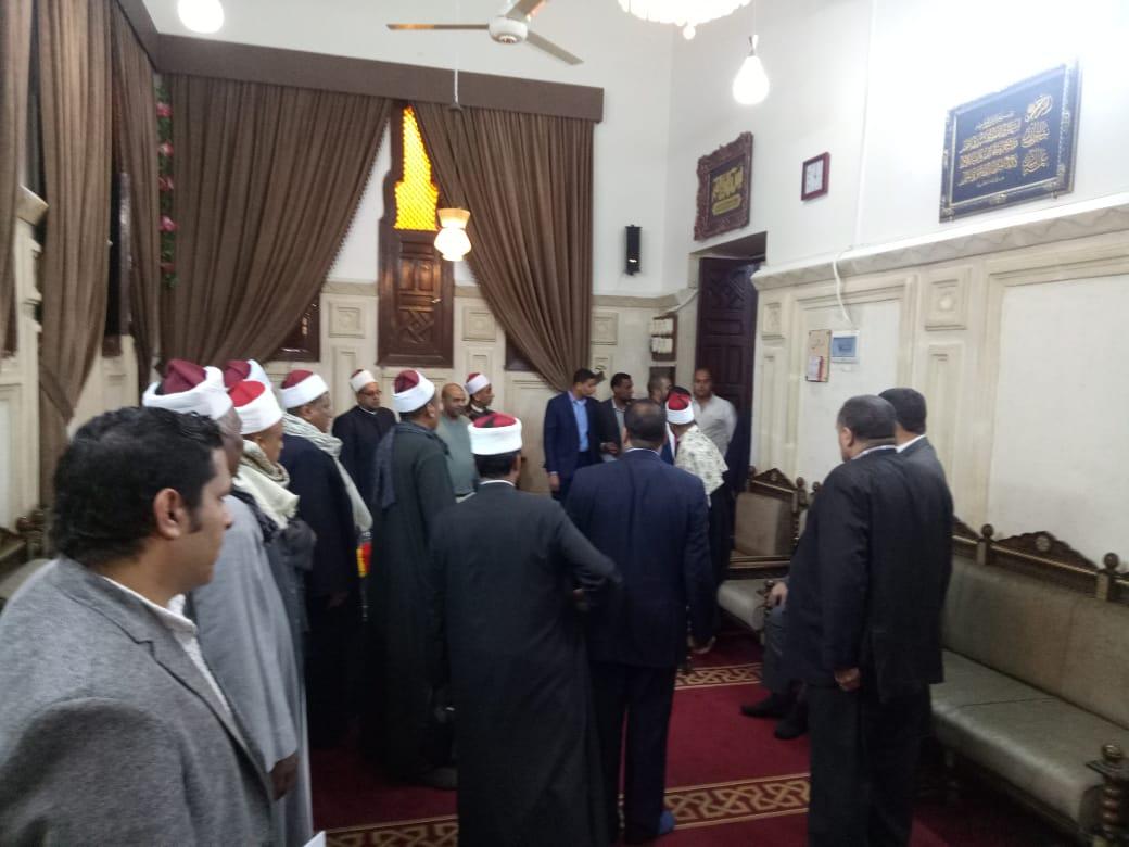 محافظ قنا يستقبل وفد دينية النواب بمسجد سيدى عبد الرحيم القنائى (2)
