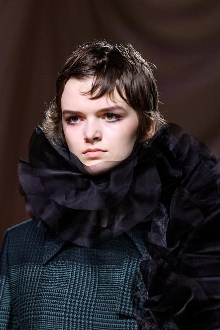 تصميم دار أزياء  Mary Katrantzou  (3)