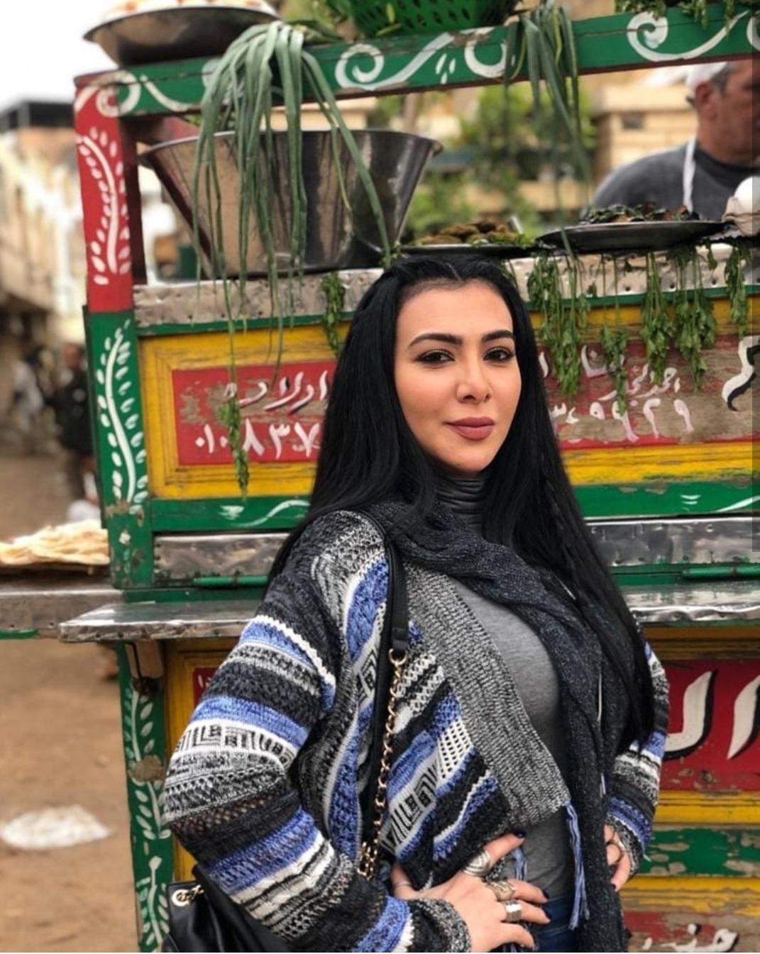 ميرهان حسين فى اول يوم تصوير علامة استفهام