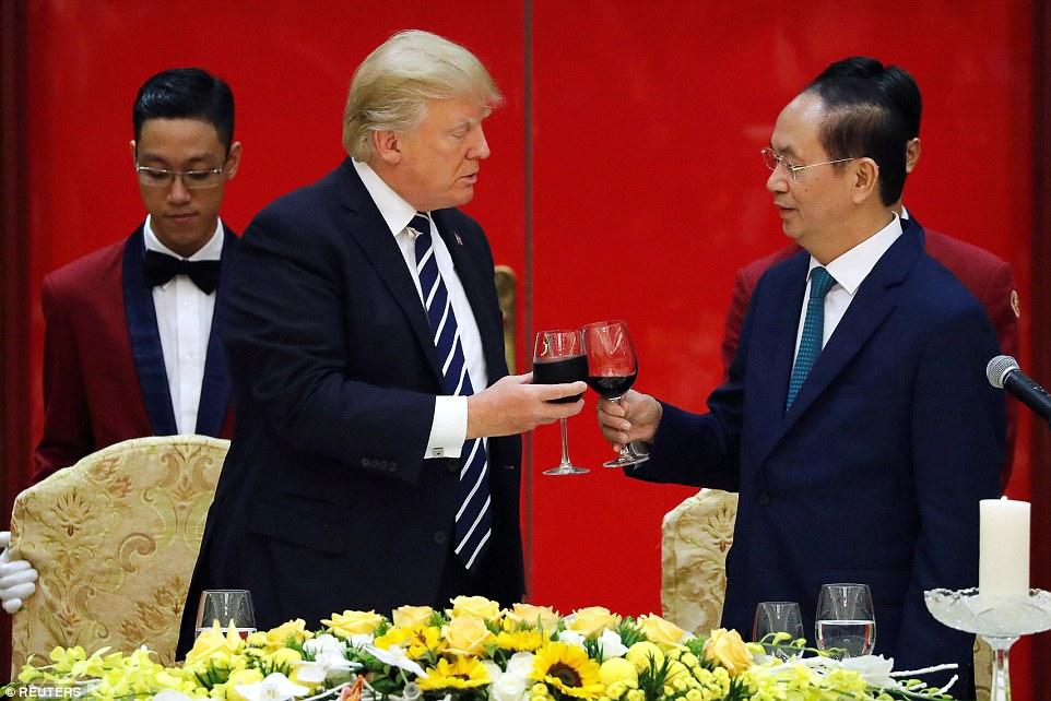 ترامب ونظيره الفيتنامى