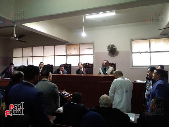 محاكمة الطبيب قاتل زوجته وأولاده بكفر الشيخ (12)