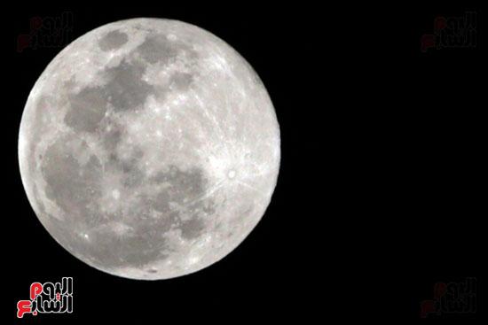 القمر  والارض (6)