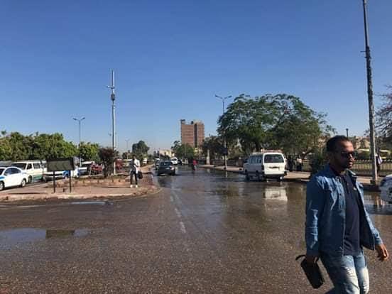 غرق ميدان المحطة وديوان محافظة أسوان  (4)