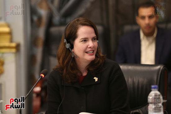 وكيل النواب يستقبل اعضاء الحوار المصرى الأمريكى بمقر البرلمان   (12)