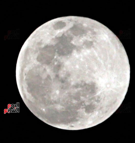 القمر  والارض (5)