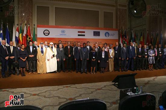 جلسة الإطار القانونى لمكافحة تمويل الإرهاب وغسل الأموال (3)