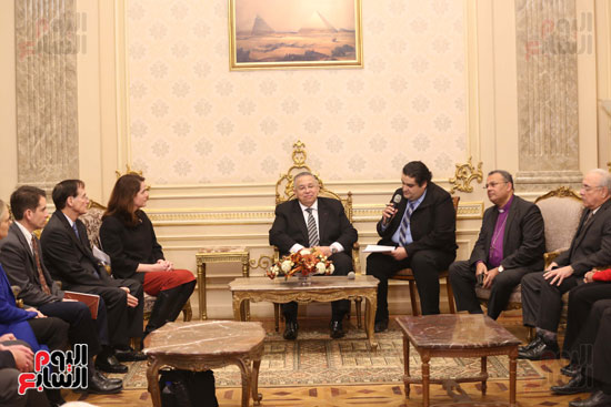 وكيل النواب يستقبل اعضاء الحوار المصرى الأمريكى بمقر البرلمان   (4)