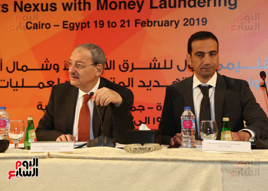 جلسة الإطار القانونى لمكافحة تمويل الإرهاب وغسل الأموال (11)