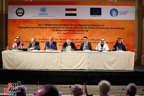 جلسة الإطار القانونى لمكافحة تمويل الإرهاب وغسل الأموال (15)